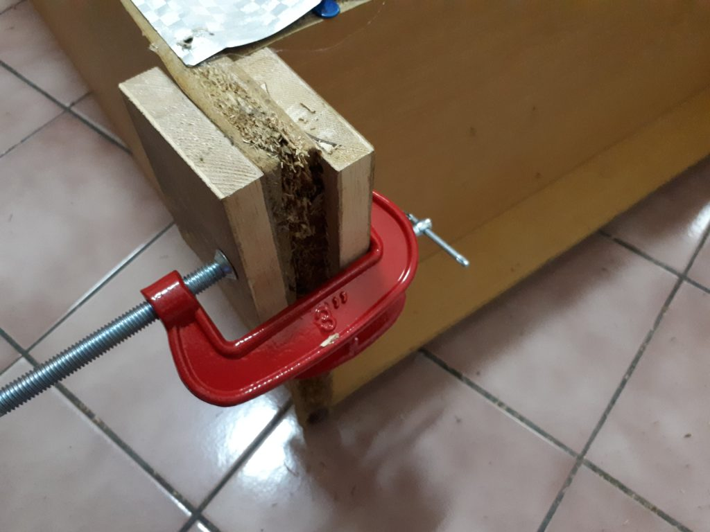 Clamp the particle board